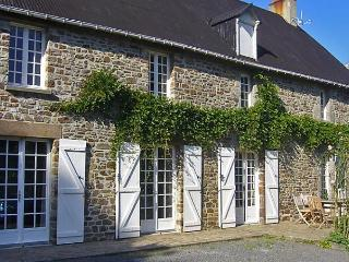 Le Chêne Foudrier - Montpinchon vacation rentals