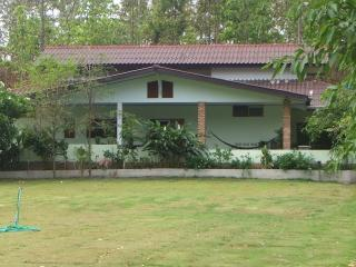 Nice Guest house with Internet Access and Garden - Chiang Mai vacation rentals