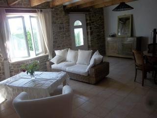 Nice Gite with Internet Access and Television - Plourivo vacation rentals