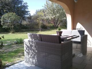 Nice Condo with Internet Access and Shared Outdoor Pool - Lagnes vacation rentals