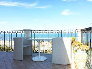 Trilocale in 1° fila sul mare - San Benedetto Del Tronto vacation rentals