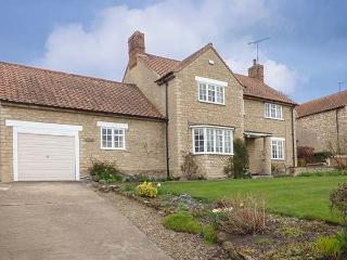 BURNSIDE, detached, open fire, conservatory, pub 5 mins walk away, in Kilburn, Ref 904895 - Kilburn vacation rentals