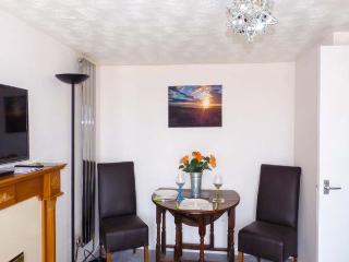MOONLIGHT BAY APARTMENT, romantic, garden, pet-friendly, WiFi, near Fairlight, Ref 920345 - Fairlight vacation rentals