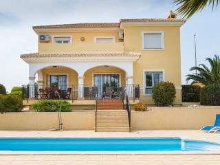 Stunning 5 Bed Residence in Bonalba - Campello vacation rentals