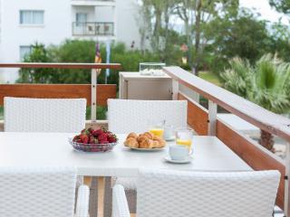 MOON - Property for 6 people in PLATGES DE MURO - Playa de Muro vacation rentals