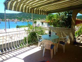 Apartment AdriaWay 3 for 5 with air conditioning and Wi-Fi - Vinisce vacation rentals