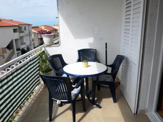 Vida 2 for 3 with WiFi in Makarska - Makarska vacation rentals