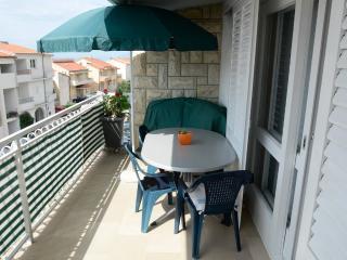 Vida 3 for 3-4 with AC  in Makarska - Makarska vacation rentals