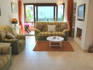 Bright 1 bedroom Marbella Condo with Stove - Marbella vacation rentals