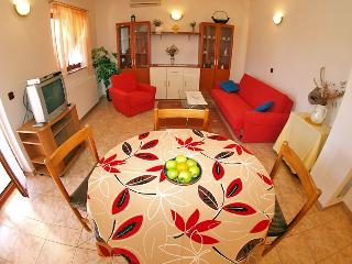 Nice 2 bedroom Apartment in Krnica - Krnica vacation rentals