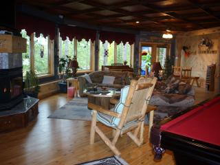 WATERFRONT LODGING AND TREE HOUSE SPA FOR ADULTS - Squaw Lake vacation rentals