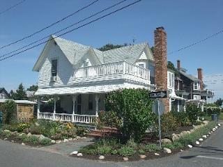 31 Narragansett Avenue Oak Bluffs, MA, 02557 - Edgartown vacation rentals