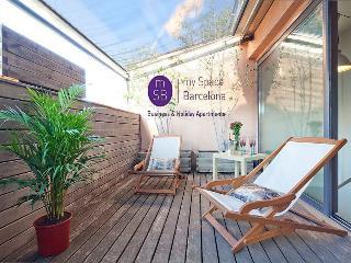 Bright duplex-private terrace - Barcelona vacation rentals
