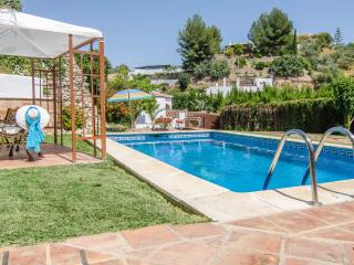 V02 DELIGHTFUL VILLA WITH POOL. WIFI. - Nerja vacation rentals