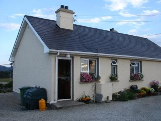 Beautiful 3 bedroom Bungalow in Kerrykeel - Kerrykeel vacation rentals