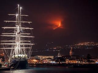 Cozy Condo with Internet Access and Television - Catania vacation rentals