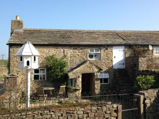 2 bedroom Cottage with Internet Access in Addingham - Addingham vacation rentals