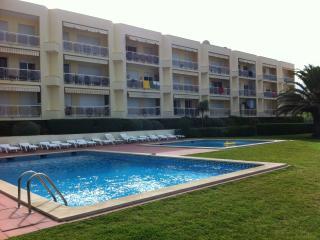 Nice Condo with Internet Access and Tennis Court - Praia das Macas vacation rentals