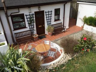 Bright Cottage in Porthtowan with Satellite Or Cable TV, sleeps 8 - Porthtowan vacation rentals
