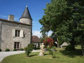 Perfect House with Internet Access and Private Outdoor Pool - Saussignac vacation rentals