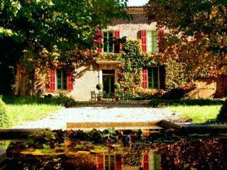 Gîte  de charme  de la Campagne sigalloux - Le Luc vacation rentals