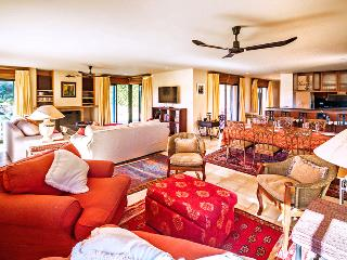 Nice House with Fireplace and Satellite Or Cable TV - Navata vacation rentals