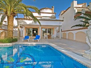 Nice House with Waterfront and Private Outdoor Pool - Empuriabrava vacation rentals