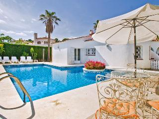 Nice House with Private Outdoor Pool and A/C - L'Ametlla de Mar vacation rentals