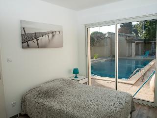 Romantic 1 bedroom Gite in Carpentras with Internet Access - Carpentras vacation rentals