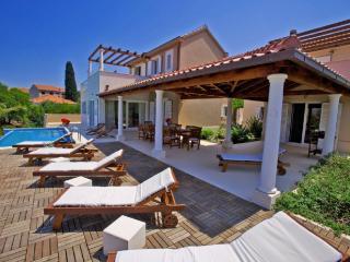 Villa Gumino - Mirca vacation rentals