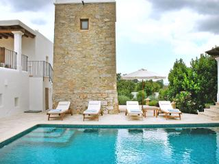 Charming 5 bedroom El Escorial House with A/C - El Escorial vacation rentals