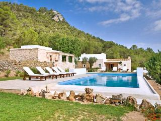 Beautiful House with Private Outdoor Pool and A/C in Ibiza - Ibiza vacation rentals