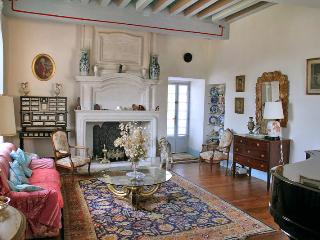 4 bedroom House with Waterfront in Puy-l Eveque - Puy-l Eveque vacation rentals