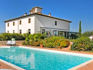 9 bedroom House with A/C in Castiglion Fiorentino - Castiglion Fiorentino vacation rentals