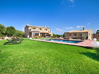 Beautiful 5 bedroom House in Campanet - Campanet vacation rentals