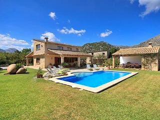 Nice 4 bedroom Pollenca House with DVD Player - Pollenca vacation rentals
