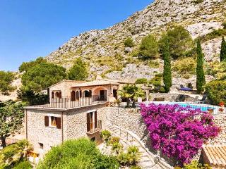Wonderful House with DVD Player and A/C - Pollenca vacation rentals