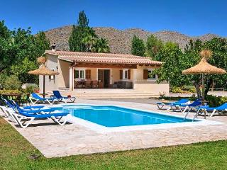 Charming 3 bedroom House in Cala San Vincente - Cala San Vincente vacation rentals