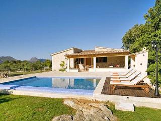 Perfect 2 bedroom House in Pollenca - Pollenca vacation rentals