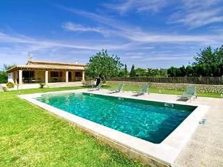 2 bedroom House with Private Outdoor Pool in Pollenca - Pollenca vacation rentals