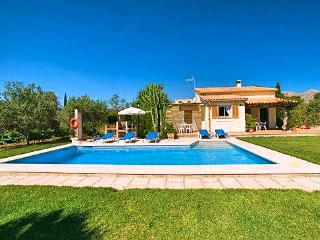Perfect House with DVD Player and A/C - Cala San Vincente vacation rentals