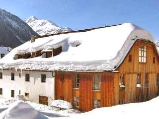 Lovely House in Sankt Anton Am Arlberg with DVD Player, sleeps 8 - Sankt Anton Am Arlberg vacation rentals