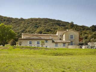 7 bedroom House with Private Outdoor Pool in Le Teil - Le Teil vacation rentals
