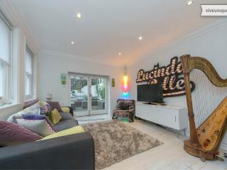 2 bed house on Stoneleigh Place, Holland Park - London vacation rentals
