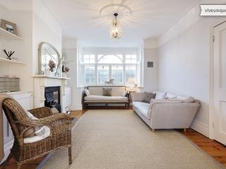 3 bed family house on Branksome Road, Wimbledon - London vacation rentals