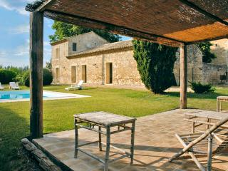 Bright 3 bedroom Lunel-Viel House with Private Outdoor Pool - Lunel-Viel vacation rentals