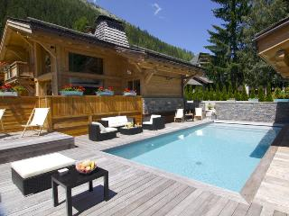 Nice House with Internet Access and Shared Outdoor Pool - Argentiere vacation rentals