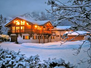 Comfortable 8 bedroom House in Les Praz-de-Chamonix with Internet Access - Les Praz-de-Chamonix vacation rentals