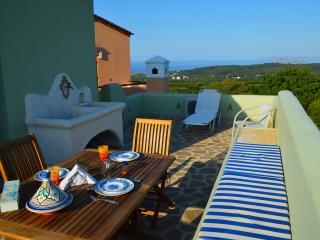Studio with amazing sea and mountain view,ideal for couples,surrounded by nature - Tavronitis vacation rentals