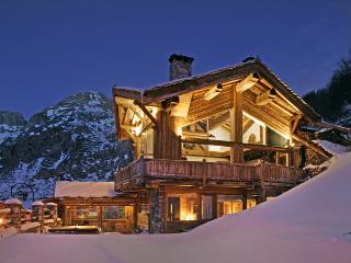 Beautiful House in Val-d'Isère with Hot Tub, sleeps 10 - Val-d'Isère vacation rentals